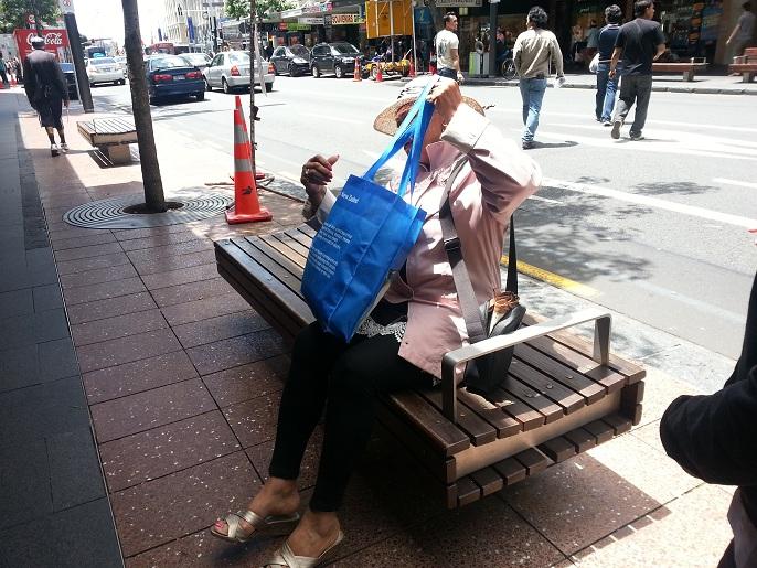 2 8 bancas y sillas pl sticas para amoblameito urbano for Antropometria mobiliario