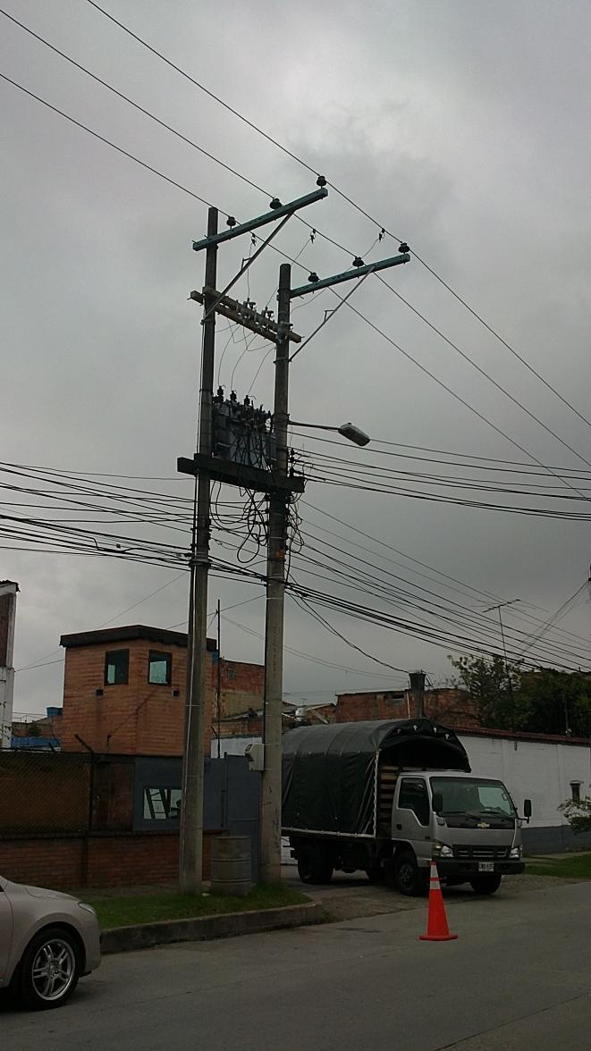 1 8 - - ELECTRIFICADORAS Y MATERIALES PARA REDES ELÉCTRICAS POSTES ...