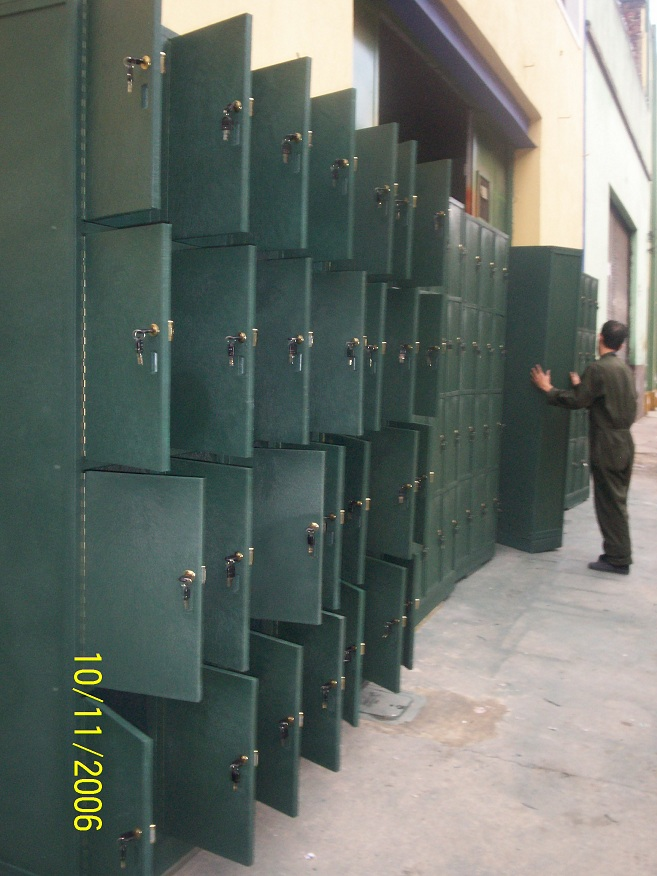 locker estándar normal típico común tradicional sencillo taquilla casilleros 77 corriente casillero taquillas uniforme de vestuario lockers casillero reglamentario metálicos o plástico 5 puertas Casilleros metálicos usados, Locker con monedas, Casilleros metálicos precios, Lockers baratos para piscinas saunas turcos yacusi vapor Maderplast, Venta lockers usados, Lockers metálicos usados, Locker con huella digital, Muebles lockers usados, Casilleros lockers usados reacondicionados, Locker usados venta con porta botas Maderplast, Locker casilleros en plásticos Fuertes Maderplast, Locker con llave en lindos colores Maderplast, Casilleros lockers, Casillero metálico, Lockers metálicos, Locker o casilleros, Precios lockers metálicos, Lockers oficina, Empresariales para exteriores al sol y agua Maderplast, Lockers y casilleros con porta botas Maderplast, Locker con monedas, Lockers casilleros metálicos, Lockers metálicos casilleros roperos metálicos, Lockers plásticos con puerta transparente Maderplast, Casilleros metálicos, Lockers de metal, Locker con huella digital, Locker o casilleros en lindos colores Maderplast,